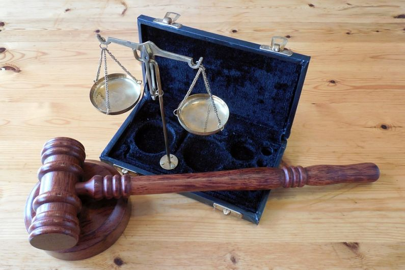 Horse breeder gets suspended jail sentence for deception of 95-year-old Kerryman