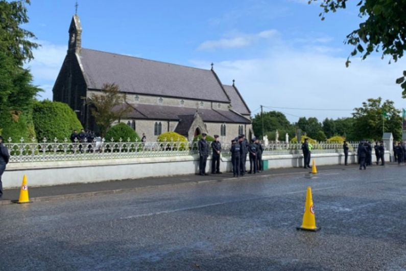 Crowds gathering ahead of funeral mass for Detective Colm Horkan
