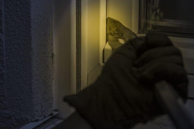 Gardaí call for public to remain vigilant following series of burglaries in Kiltoom, Athlone