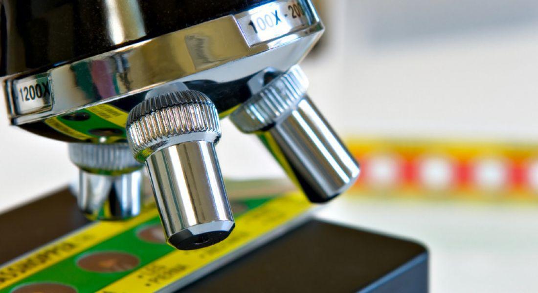 Alere microscope