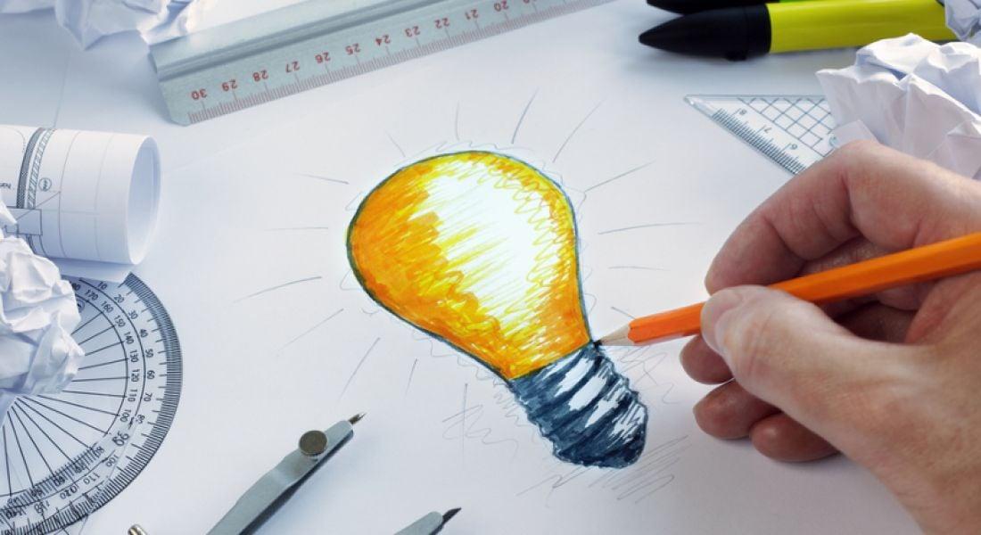 Engineers: student drawing lightbulb