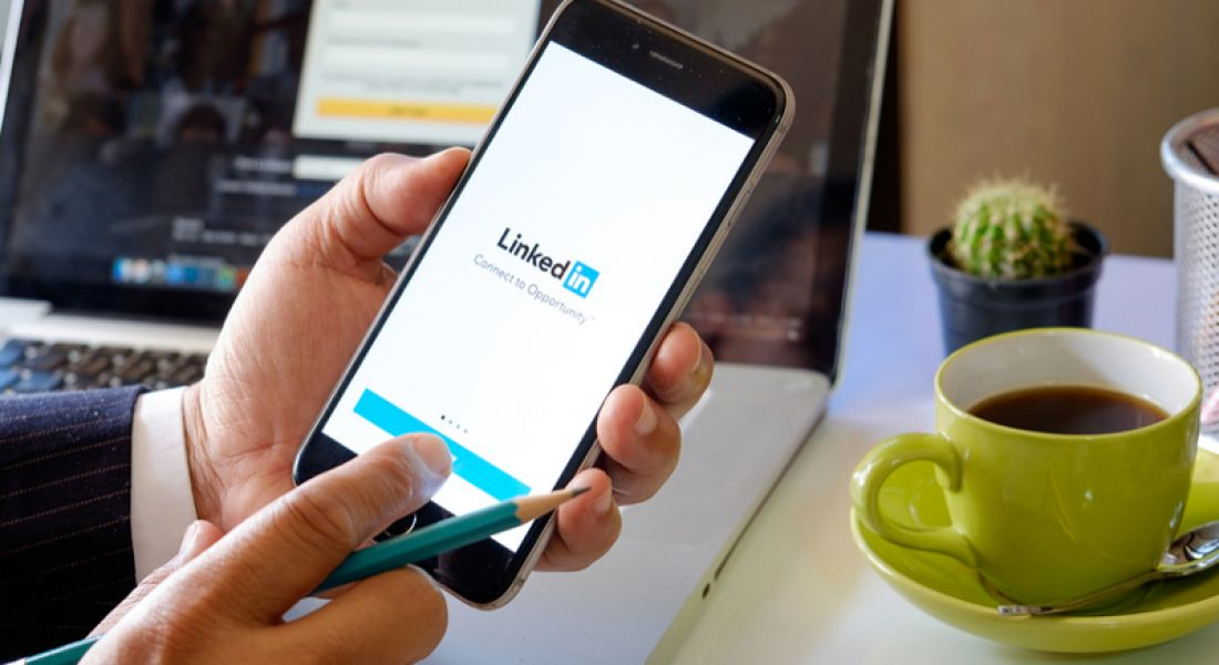 New LinkedIn feature lets you secretly say you are looking for jobs