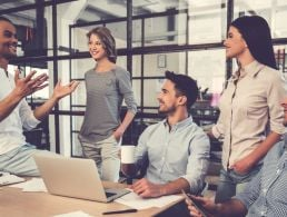 Can women succeed in the tech sector? (infographic)