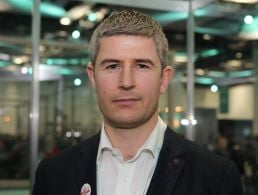 Mark Farrell, Espion