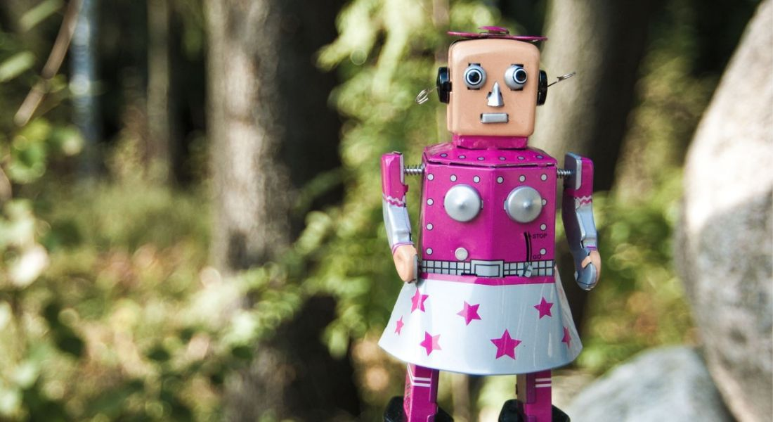 Are robots sexist? The danger of the lack of women in AI