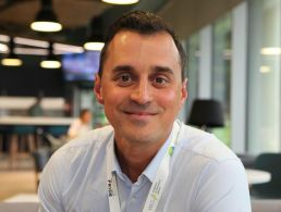 Technical support engineer from Spain surrounded by talent at Tableau