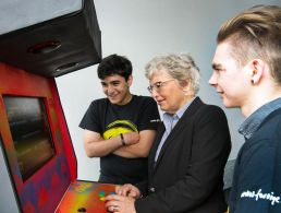 Girls put off computing by nerdy, geeky image, says Google global prize winner