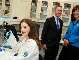 Clinton adds UCD address to his Dublin visit