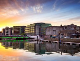 EasyLink centre in Cork to create 20 new professional positions