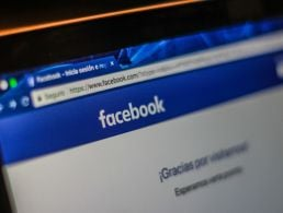 Facebook looks to hire extra 100 staff in Dublin