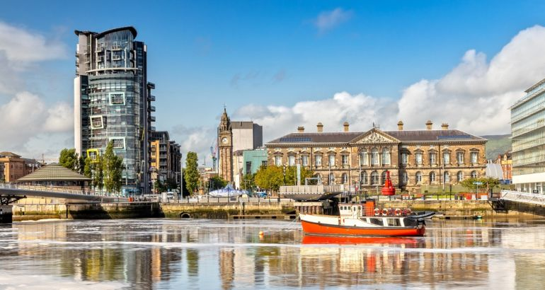 Photo of the Custom House in Belfast, Northern Ireland on a sunny day.