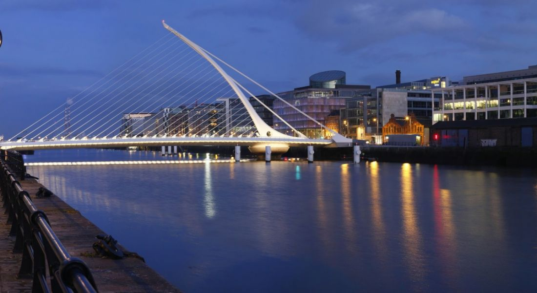The Samuel Beckett bridge in Dublin at night.