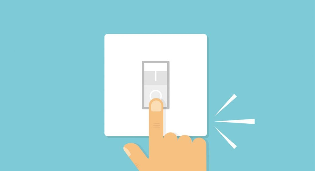 Illustration of hand with finger pushing switch with click sound, symbolising the right to disconnect.