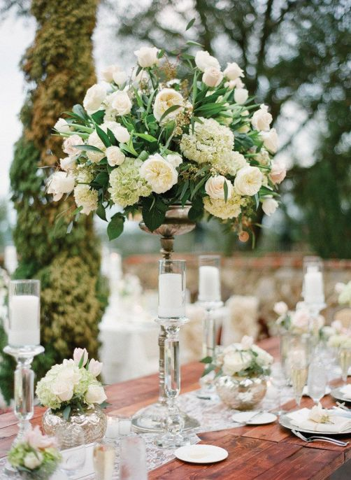 Table setting flowers.