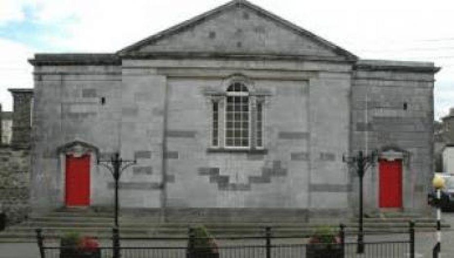 Dunmanway - Bantry - Glengarriff - Castletownbere - Bus