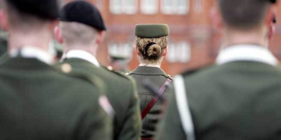 Defence Forces Seeking 860 New...