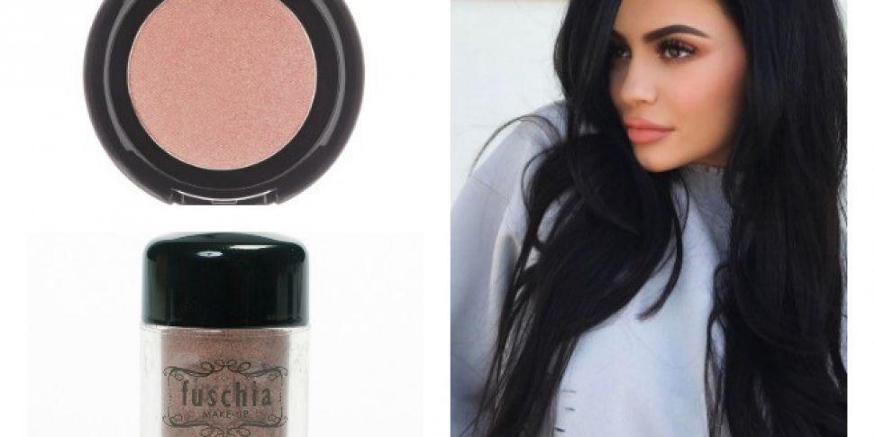 Kylie Jenner Spring Beauty: Ge...