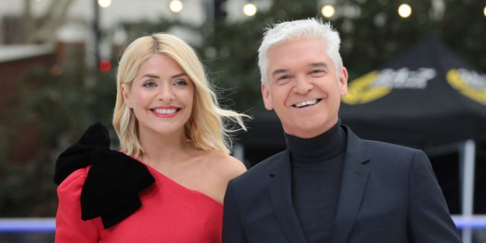Holly Willoughby Reveals Phill...