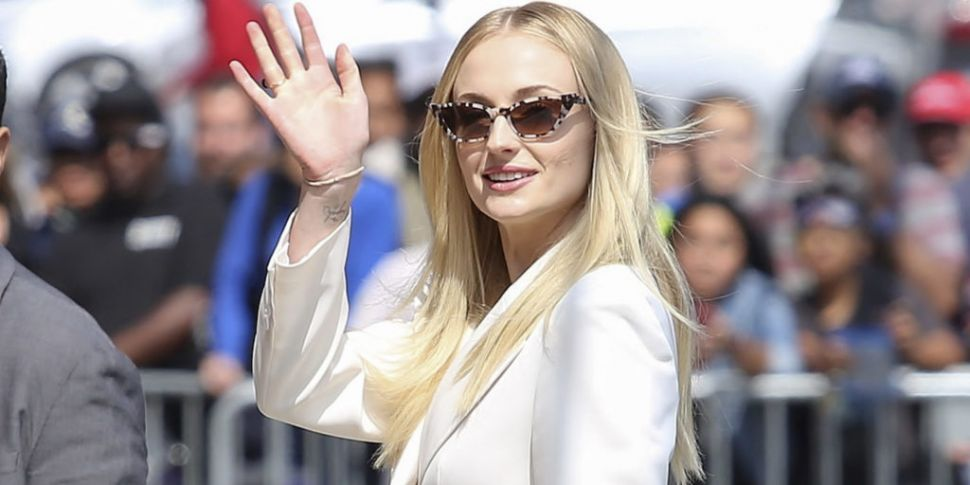 Sophie Turner Shares First Loo...