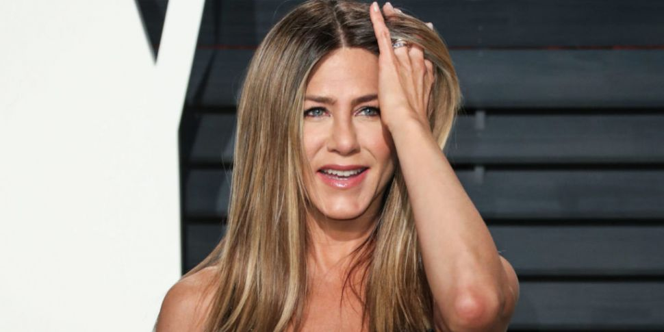 Jennifer Aniston Confirms She'...