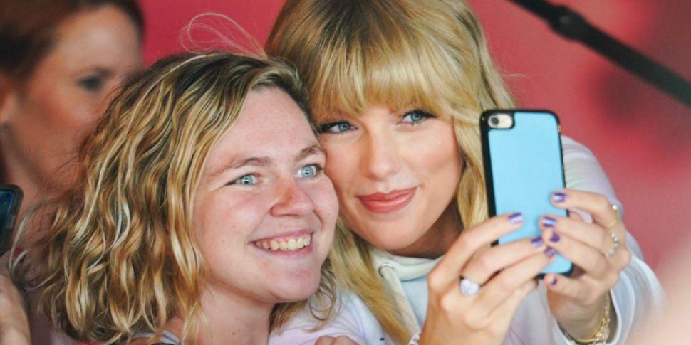Taylor Swift Asks Fans For Hel...
