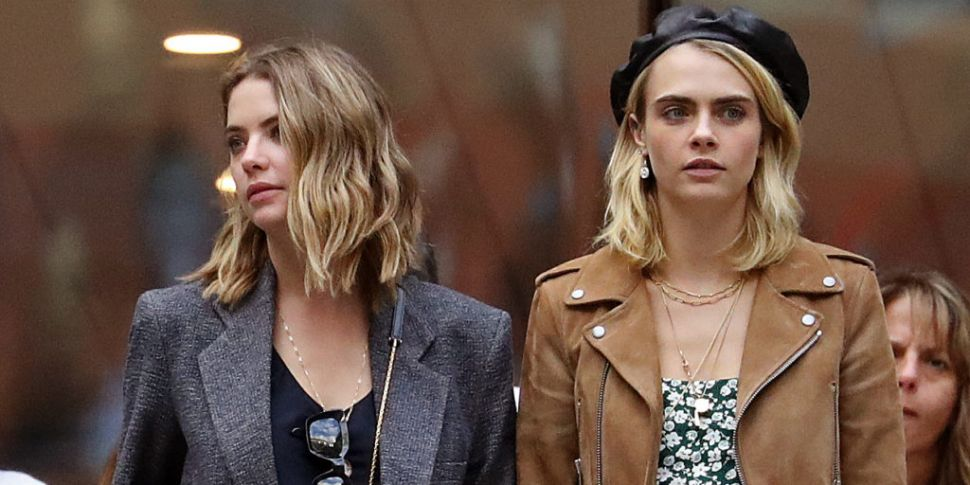 Cara Delevingne Tweets That She S Split From Ashley Benson Some