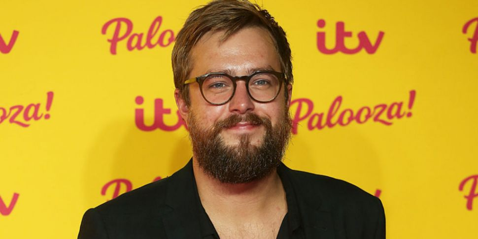 Love Island's Iain Stirling Gi...