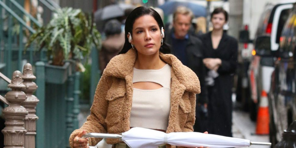 Halsey Lashes Out At Audience...