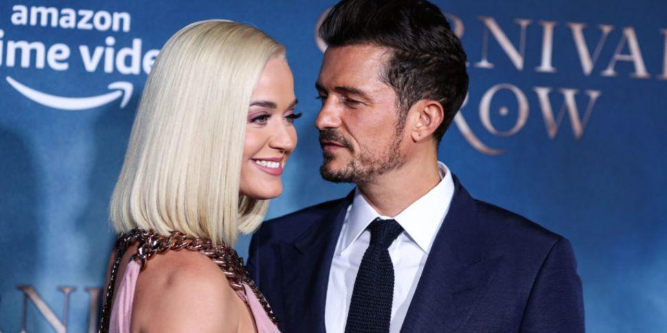 Katy Perry & Orlando Bloom Pos...
