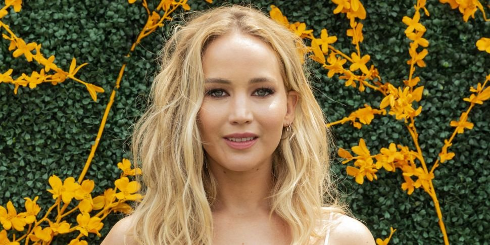 Jennifer Lawrence Releases Sta...