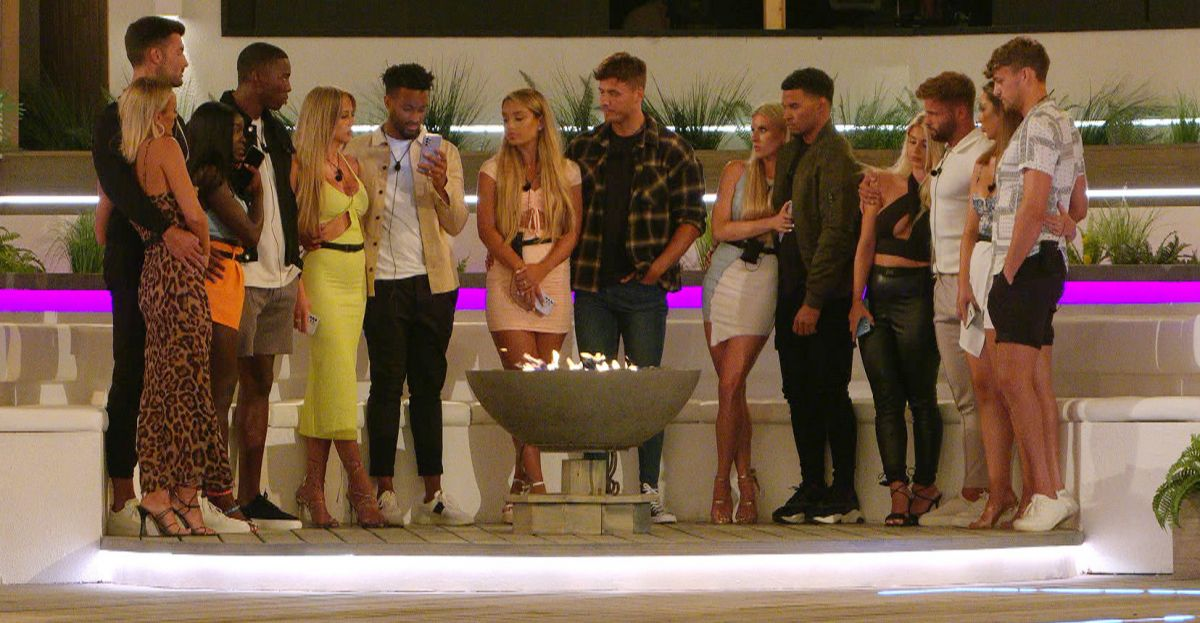Here is What Truly Goes On Behind The Scenes Of These Love Island Recouplings | SPIN1038