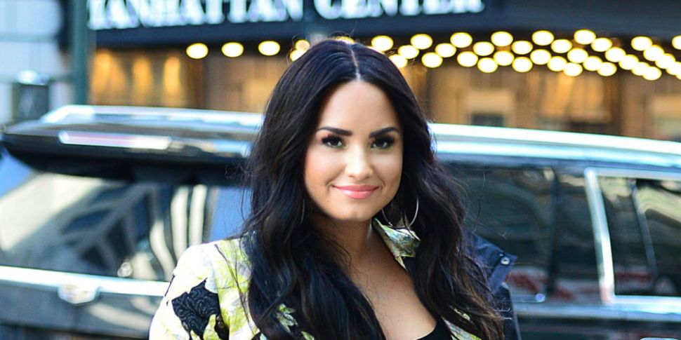 Demi Lovato Spotted Out For Th...