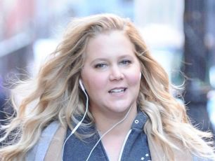 Pregnant Amy Schumer Hospitalised With Hyperemesis