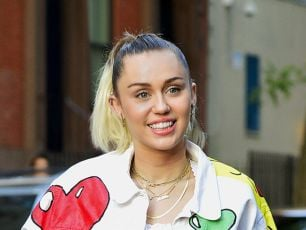 Thieves Steal $10,000 Worth Of Guitars From Miley Cyrus