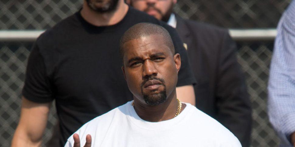 Kanye West Calls Drake Out Dur...