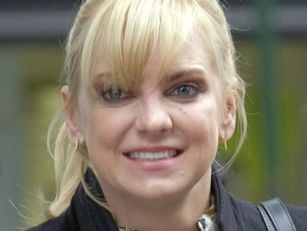 Anna Faris Congratulates Chris...