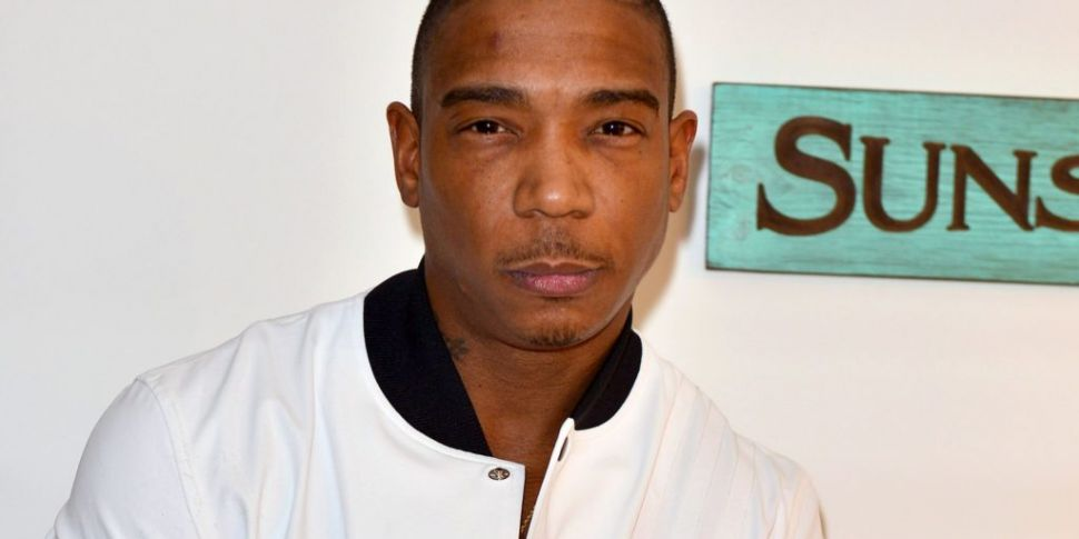 Ja Rule Fans Chant Abuse At Hi...