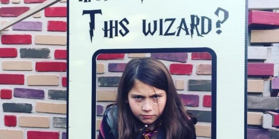 Dad Builds Life Size Diagon Alley For His Daughters