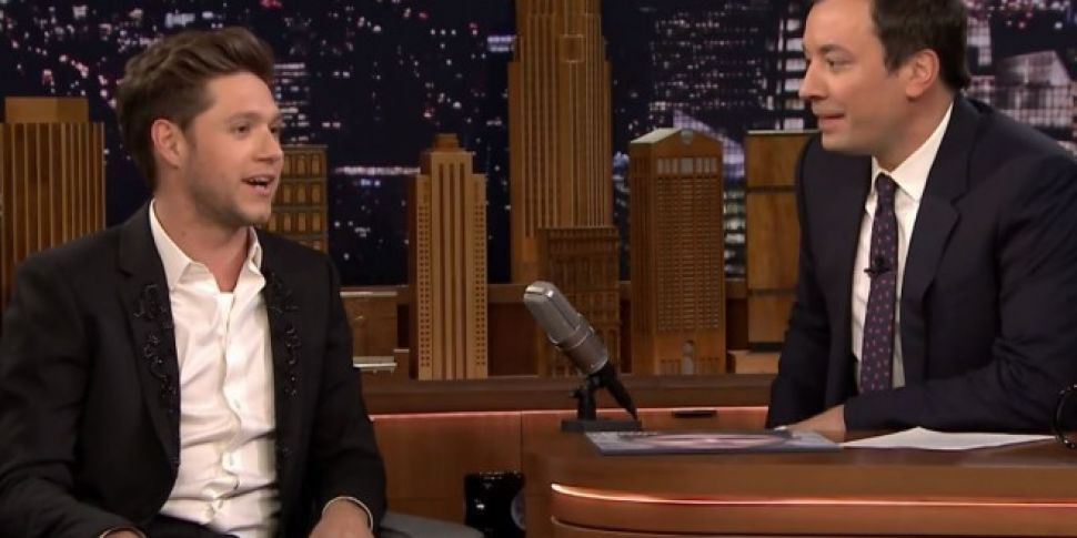 Jimmy Fallon Christmas.Niall Horan Talks Christmas Plans And 12 Pubs With Jimmy