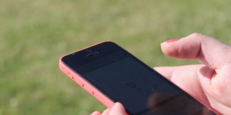 Schools To Consult Parents Over Smartphone Use