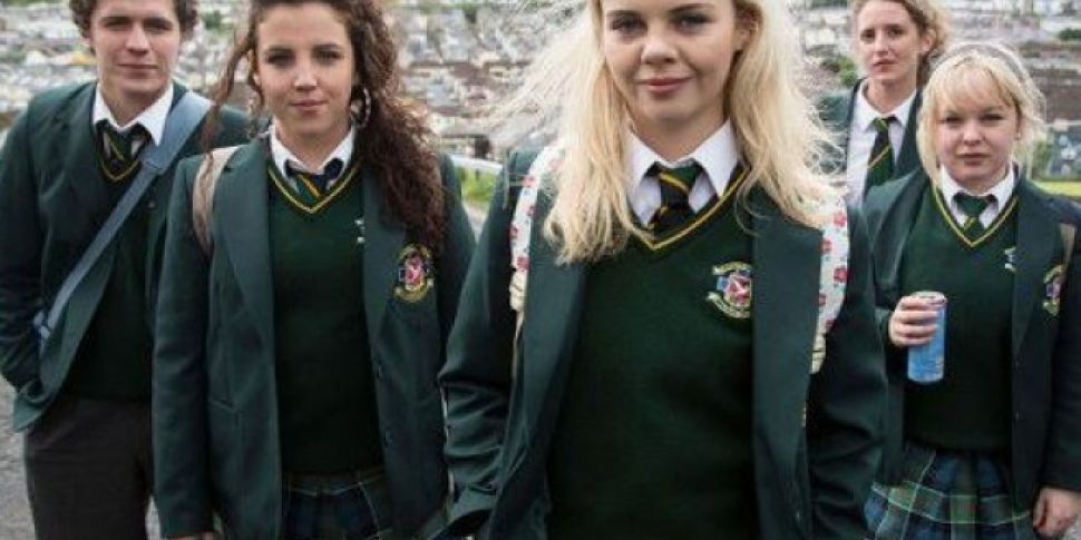 Derry Girls Wins The Comedy Aw...
