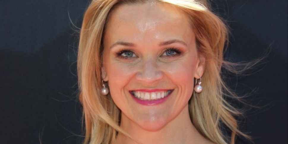 Reese Witherspoon Pelts Meryl Streep With An Ice Cream