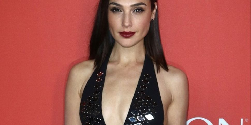 Gal Gadot Shows Support For Yo...