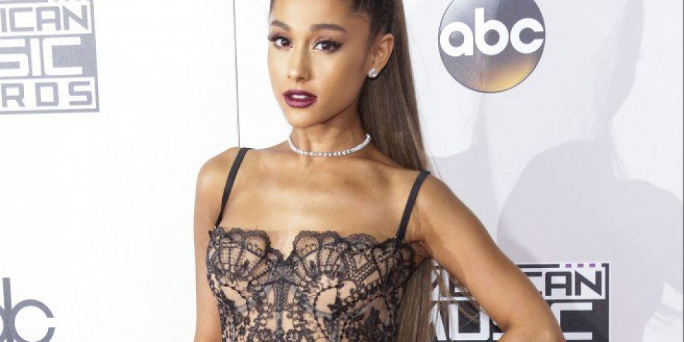 Ariana Grande Stopped Performance For Fan Who Wasn't Filming