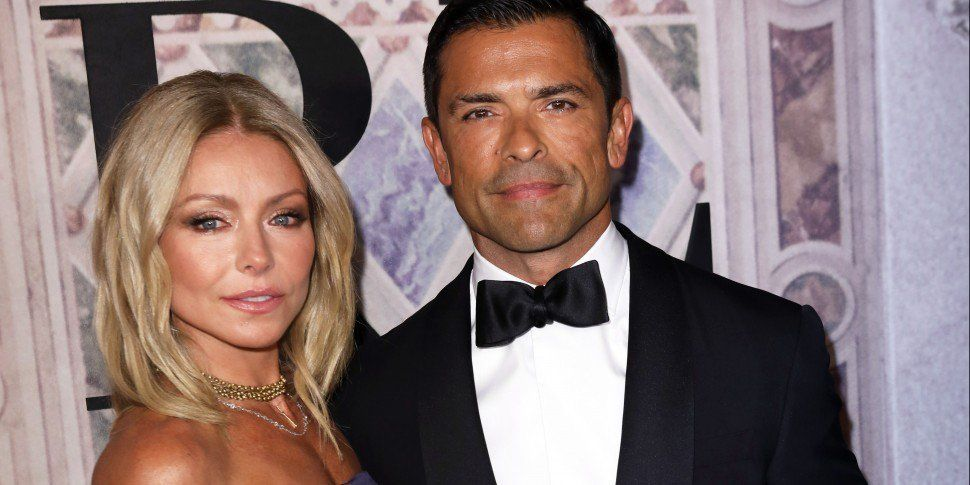 Kelly Ripa Lashed Back At Fan For Calling Her Too Old