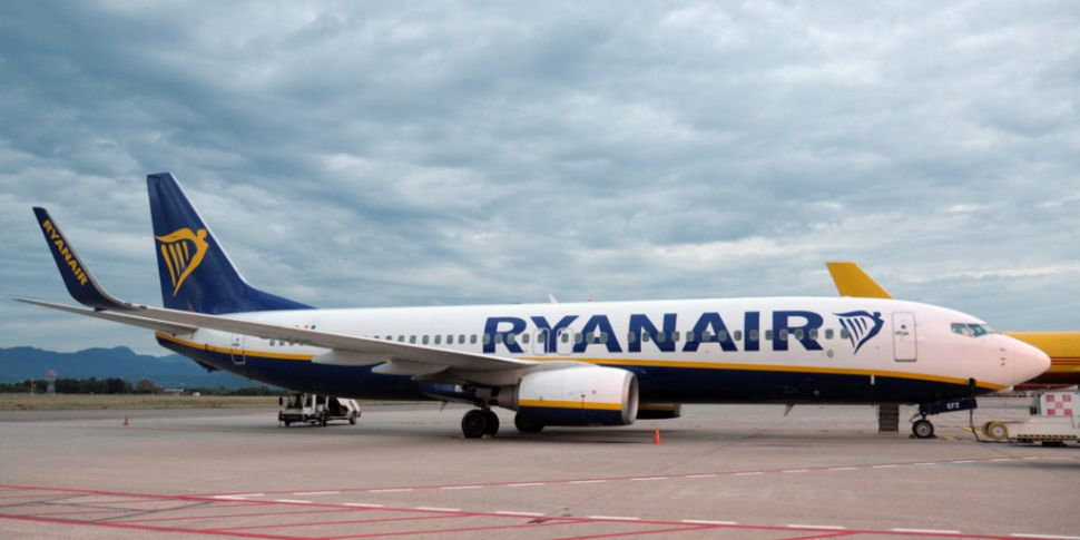 Watch | Man Dodges Ryanair Bag...