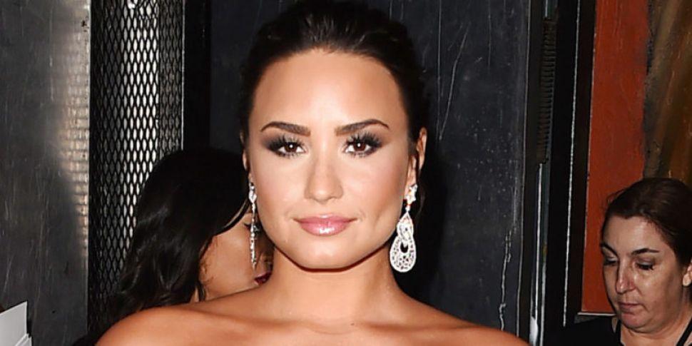 Demi Lovato Supports Bebe Rexh...