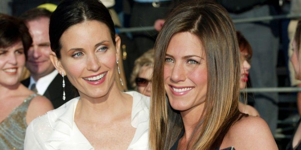 Courtney Cox & Jennifer Anisto...
