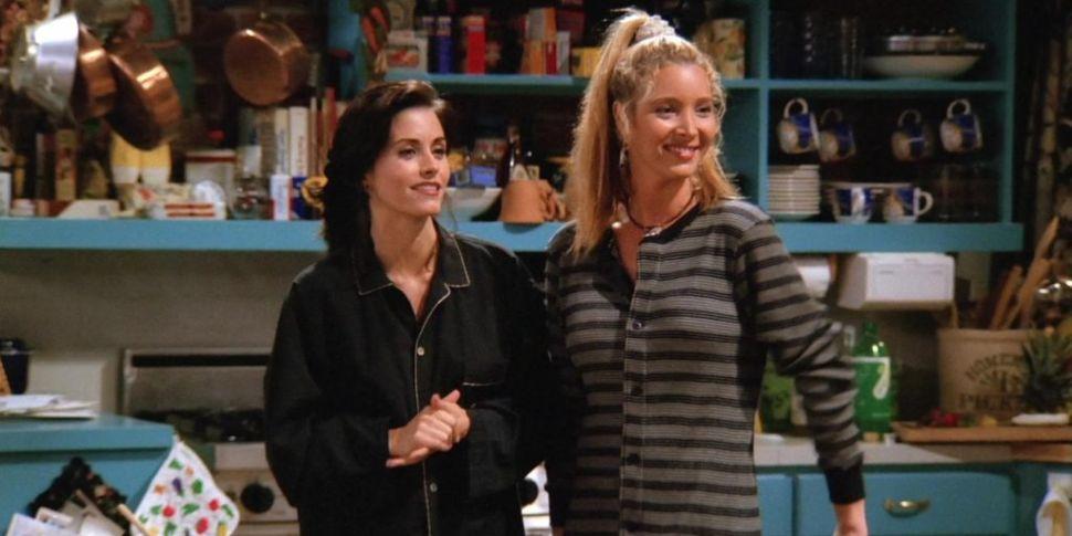 Lisa Kudrow & Courtney Cox Mak...