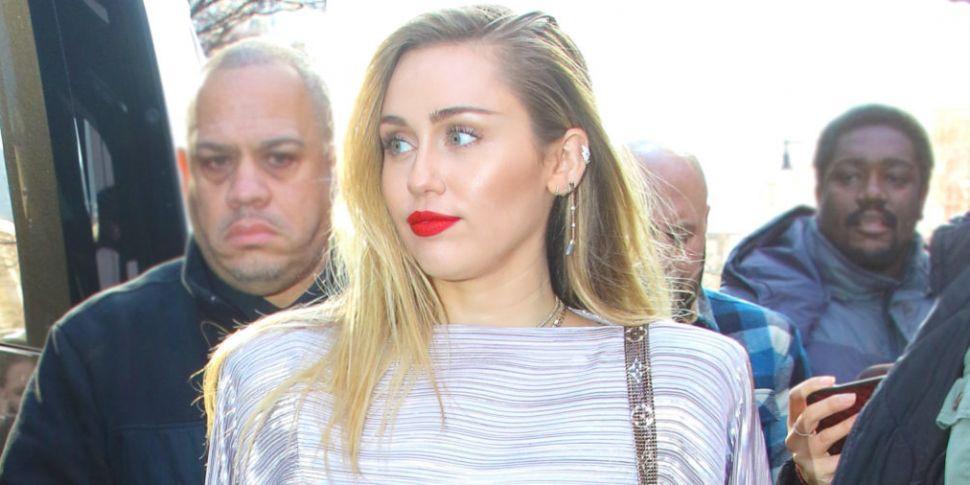 Miley Cyrus Jokes She Looks Li...